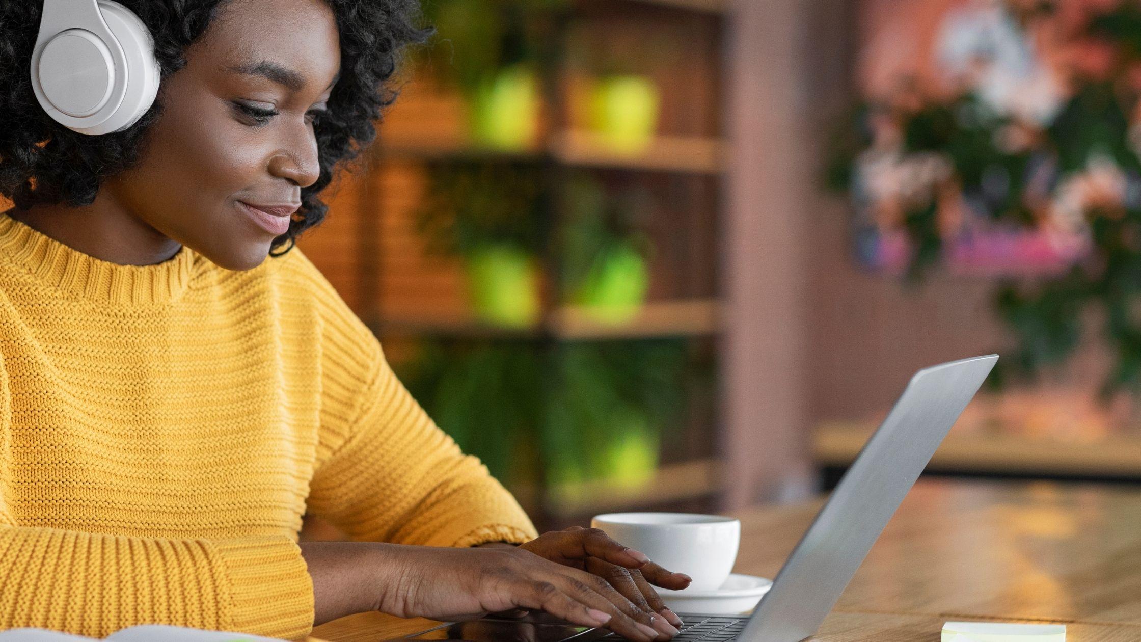 Online training versus 1:1 traject en klassikale training: de verschillen - online leeromgeving/online academie laten maken en technische ondersteuning bij je online programma